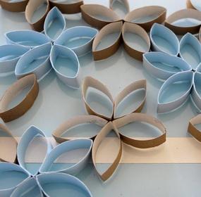 WC papír gurigából dekoratív faldísz